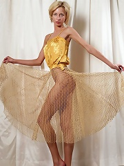 Yanna Yellow Top