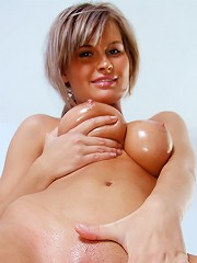 Nubiles.net Annik - Beautiful amateur Annik spreading her pussy lips for a clear view of her tempting pink hole